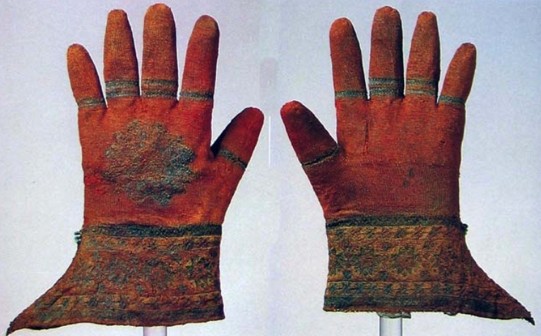 Emergence of gloves and development of glove fashion