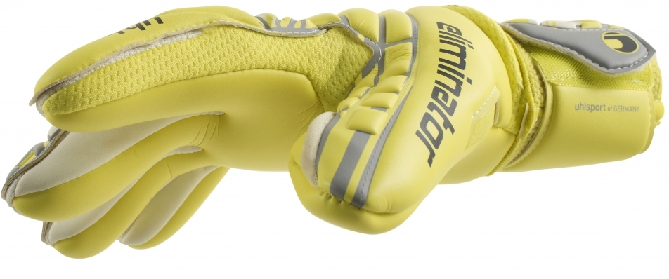 Functions and components of goalkeeper gloves