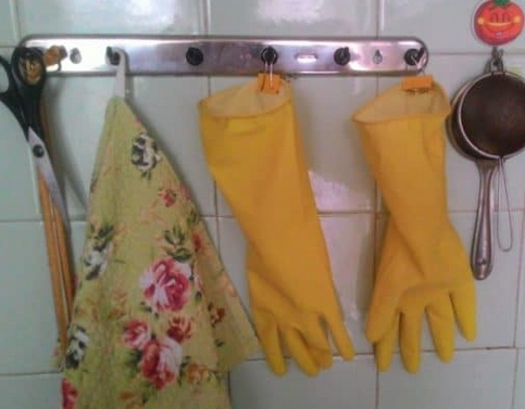 stored dishwashing gloves